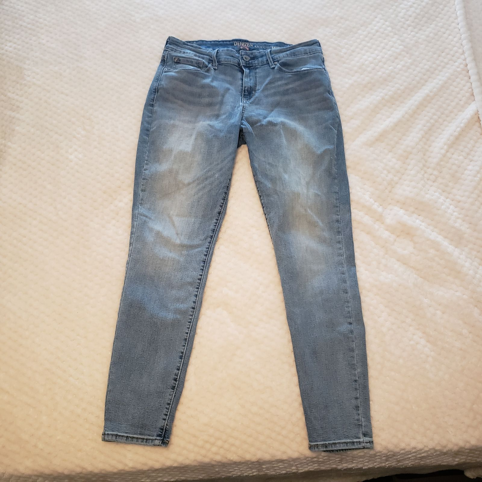 Levi's Modern Skinny Jeans size 10