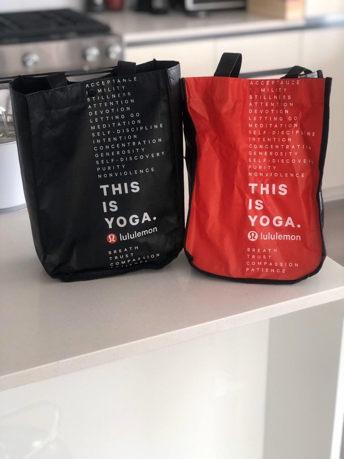 Lululemon reuseable shopping bags