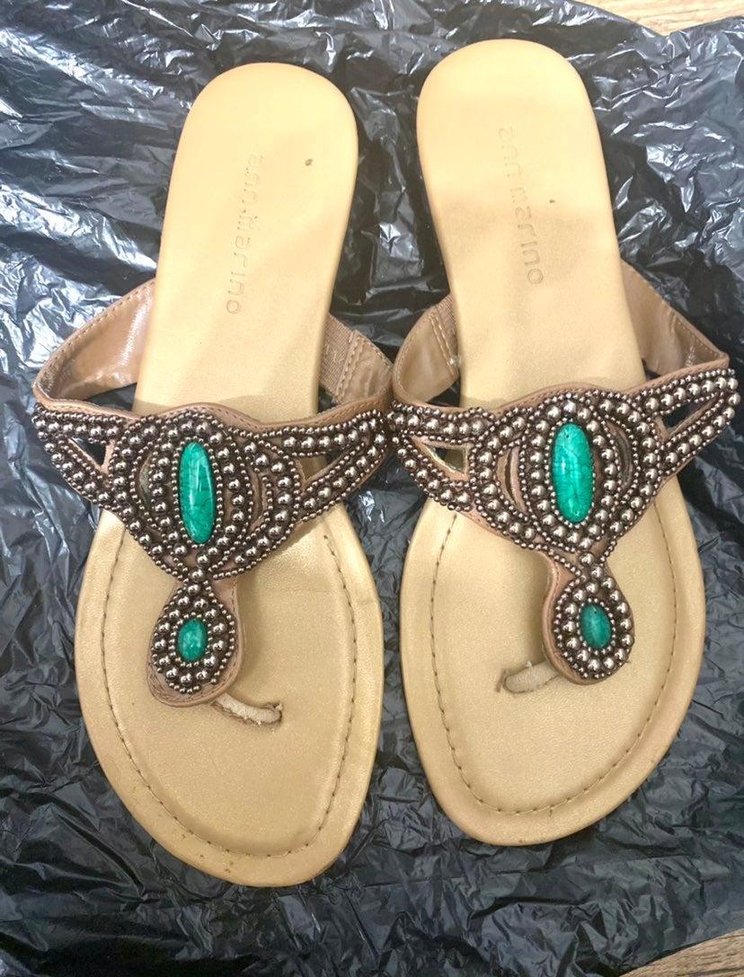 Sandals size 8M