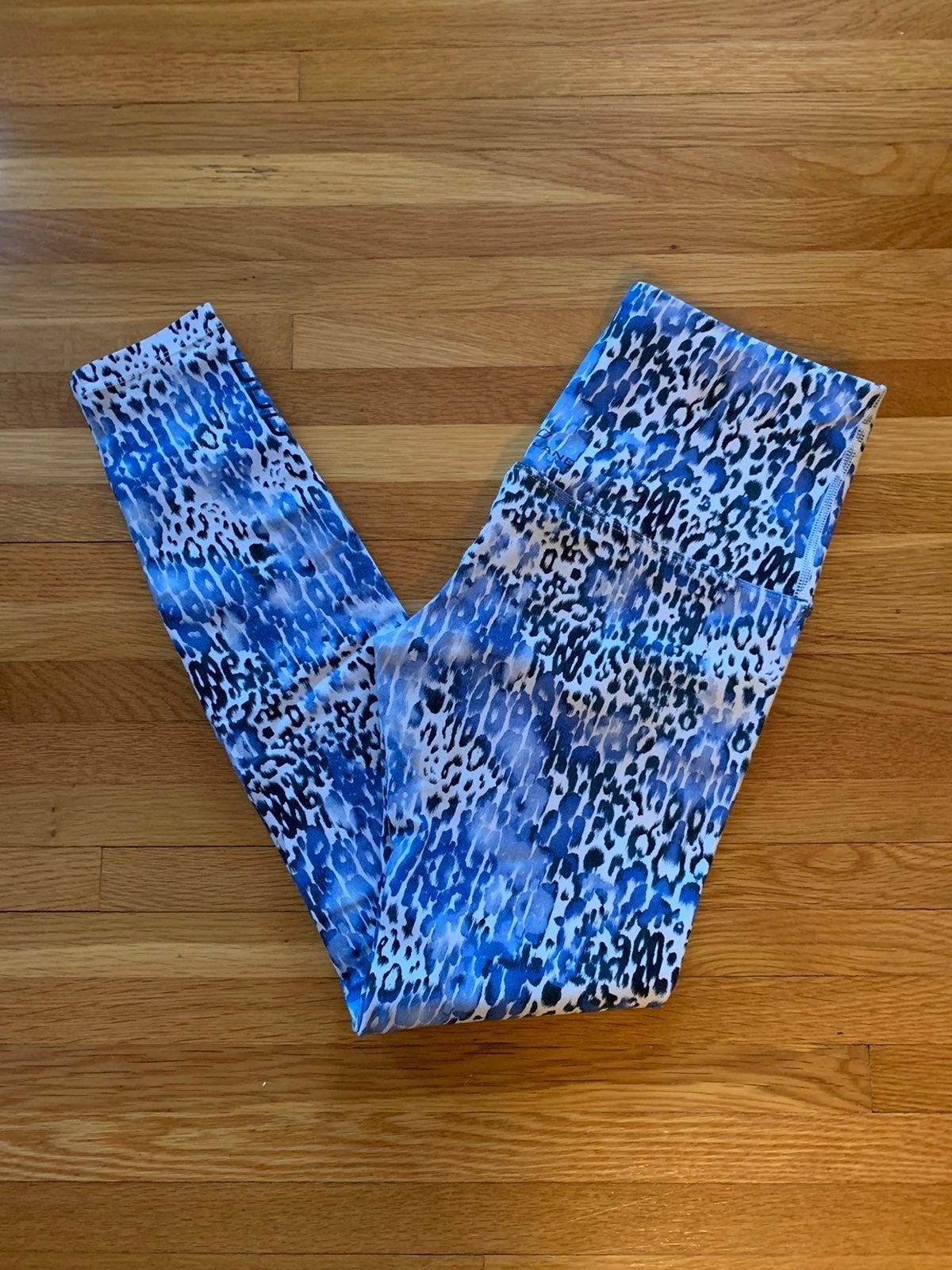 Lorna Jane leopard print tight small