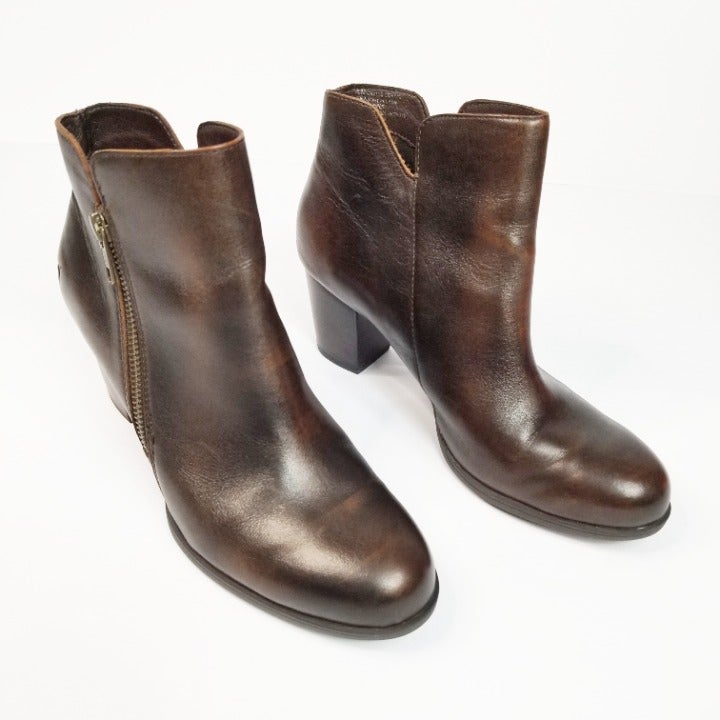 Born Women's 7.5M Brown Leather Booties