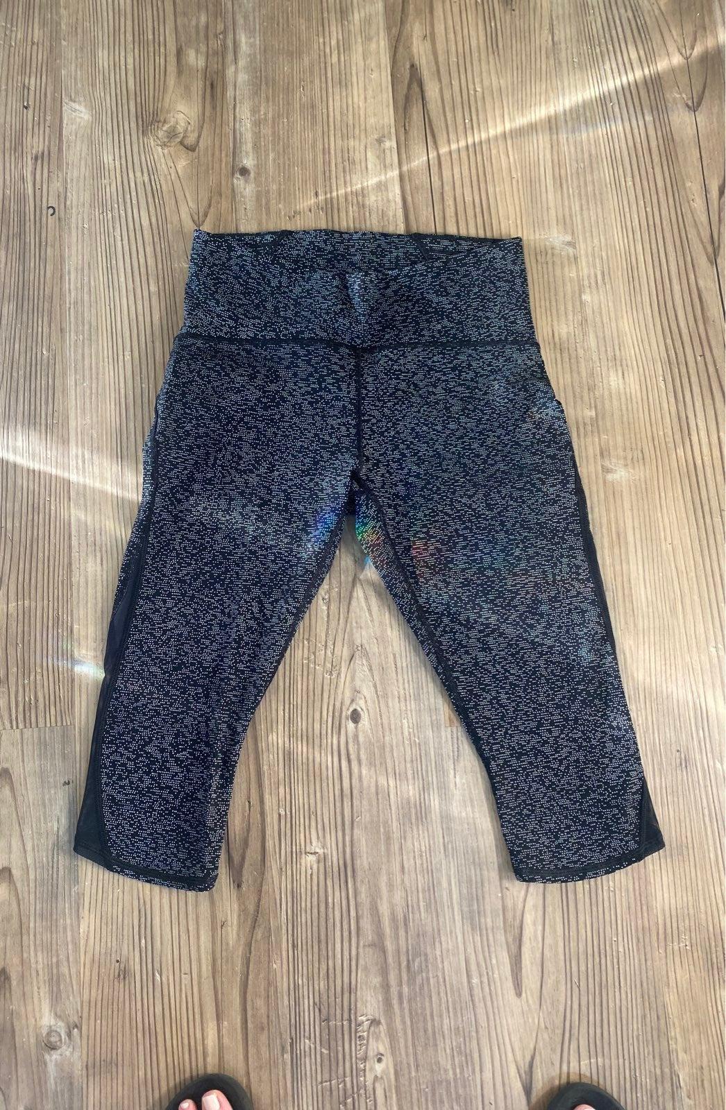 Lululemon crop compression leggings 10