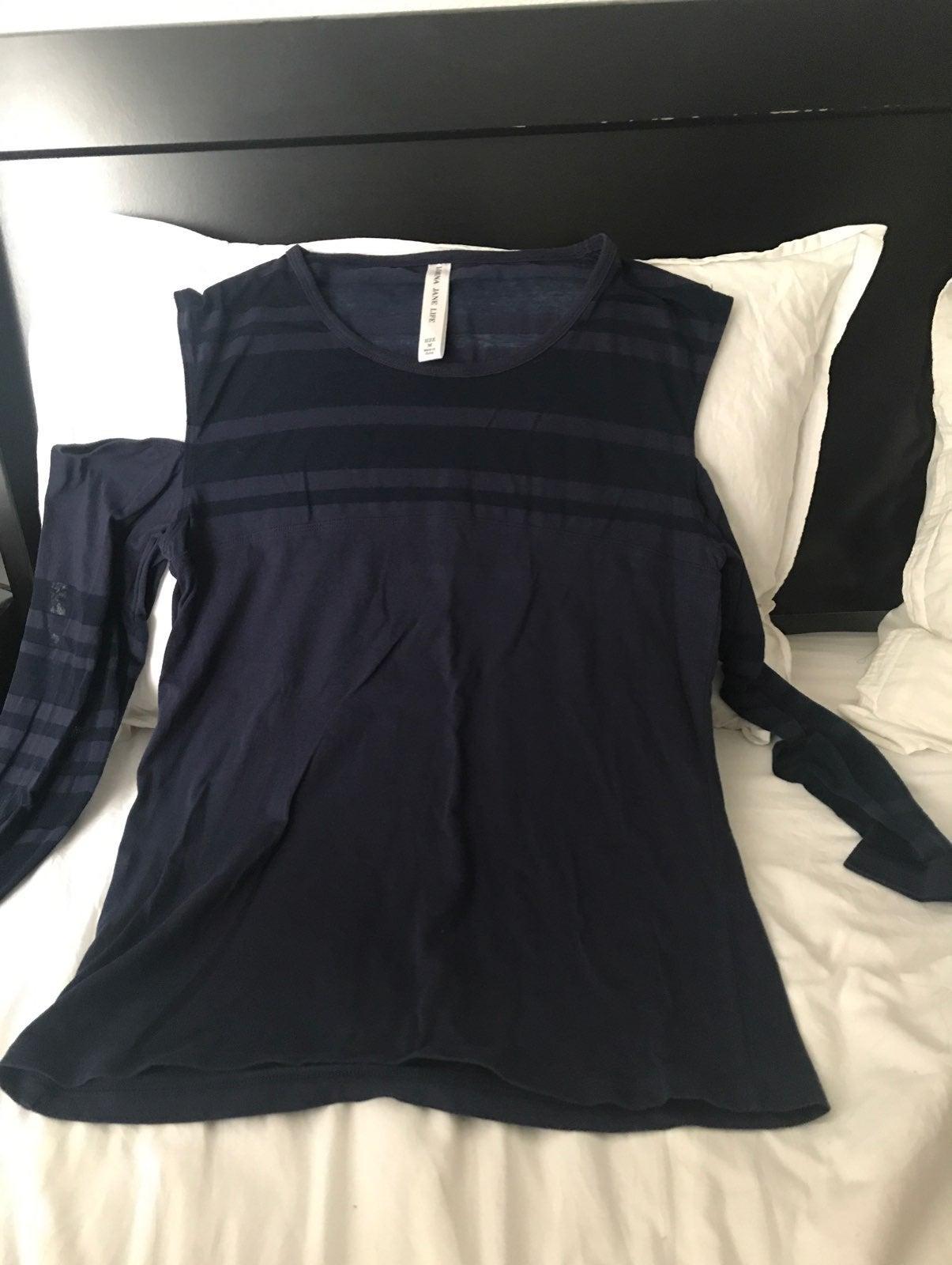 Lorna Jane long sleeve shoulderless top