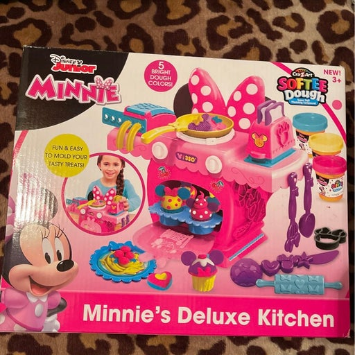Minnie mouse deluxe kitchen softee dough