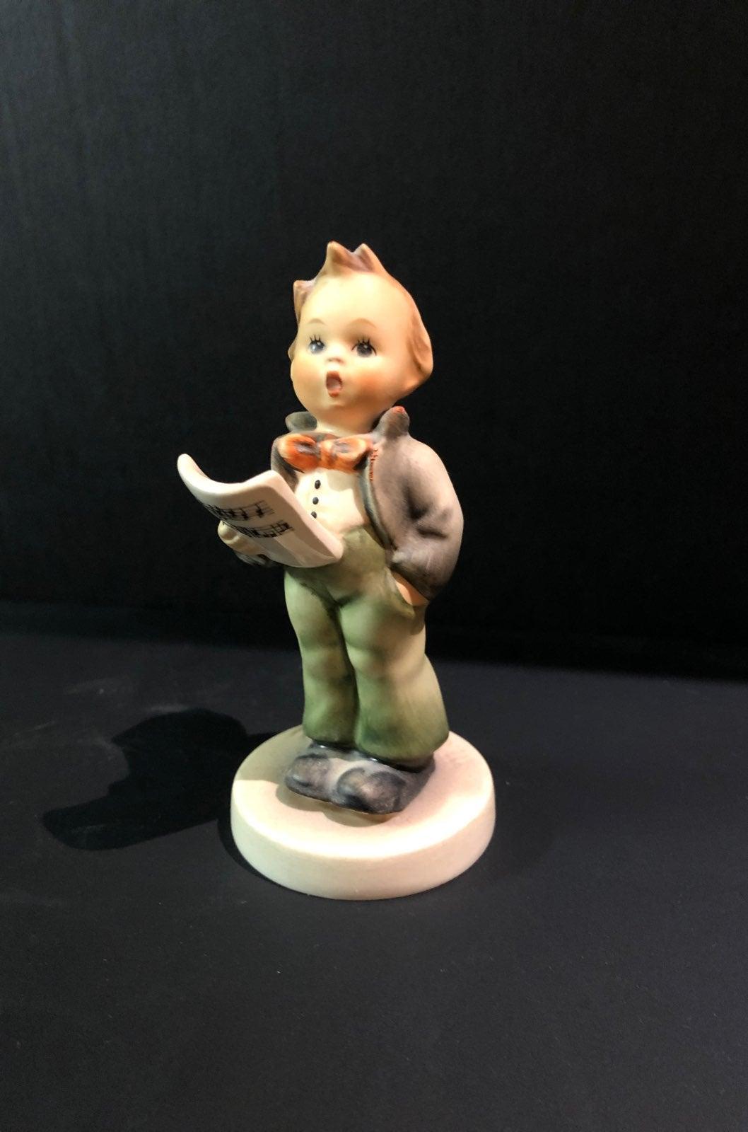 "Hummel figure #135 ""soloist"""
