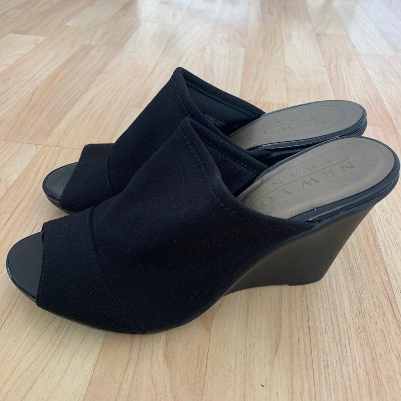 New York Transit heeled shoes