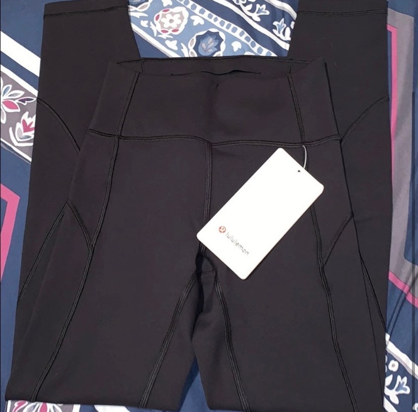 "NWT LULULEMON IN MOVEMENT 25"" BLACK"