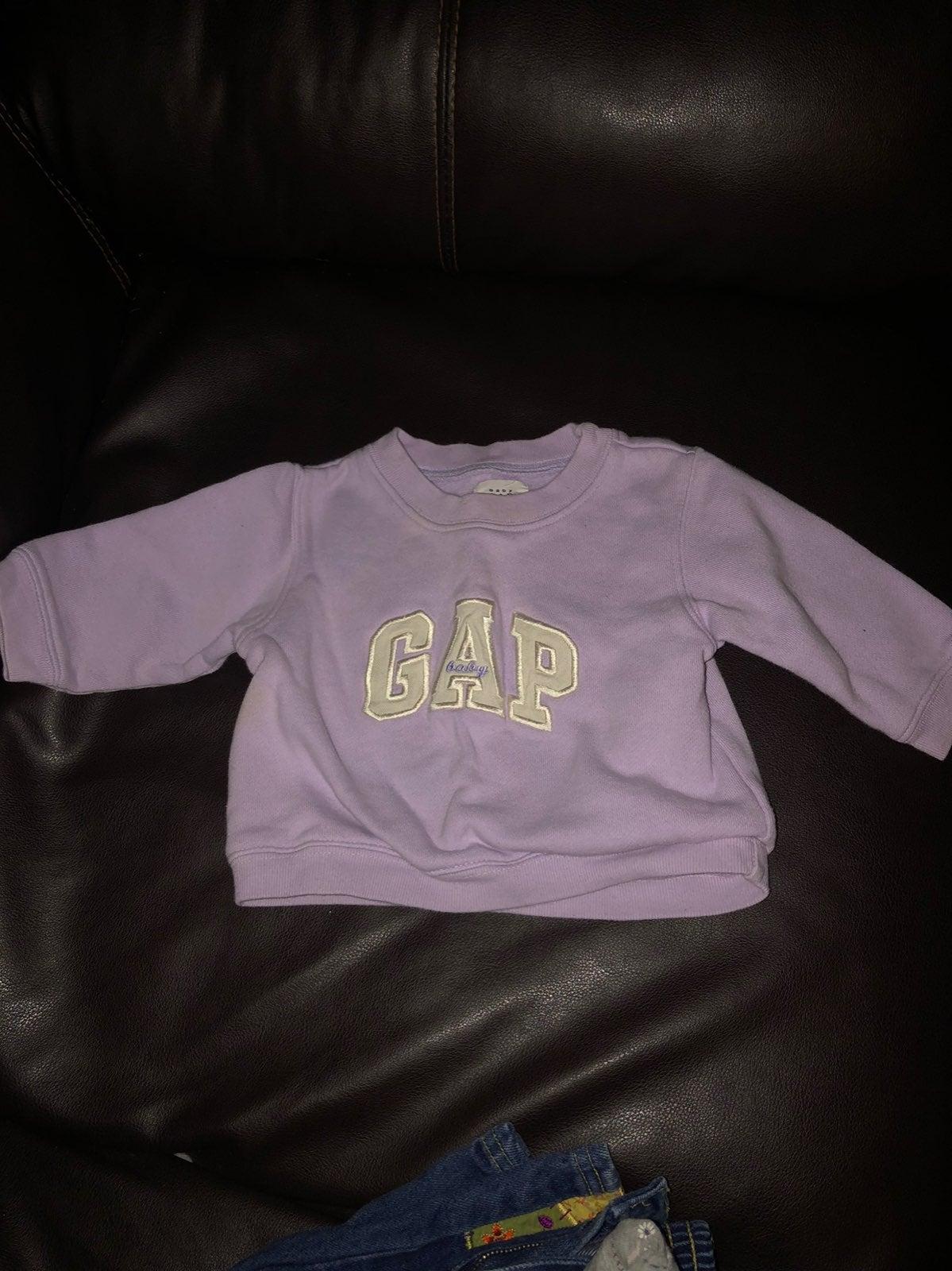 Baby girls purple gap sweatshirt