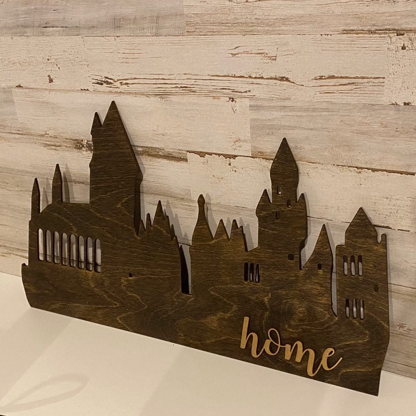 Hogwarts wooden Silhouette