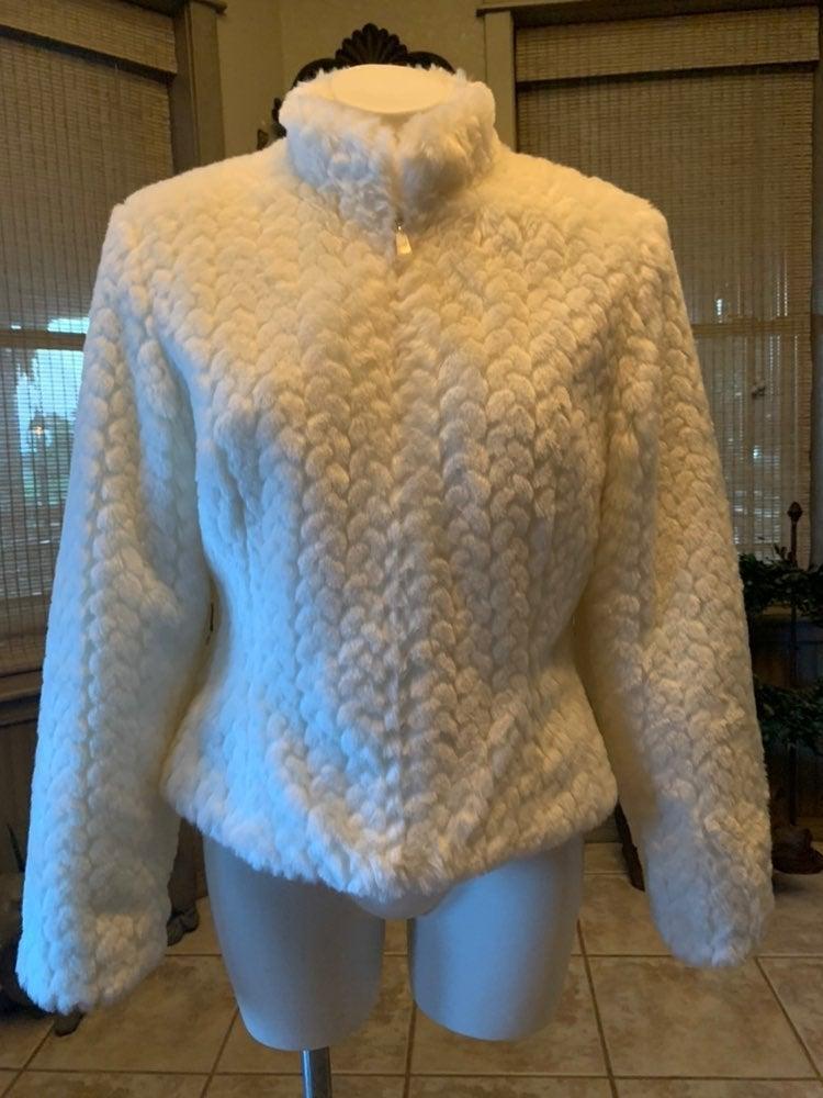 Like new tsunami faux fur jacket