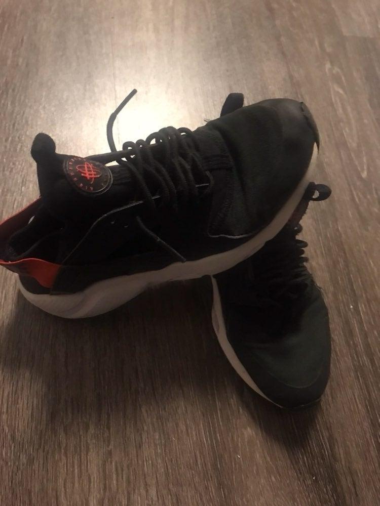 Black Youth Nike Huarache