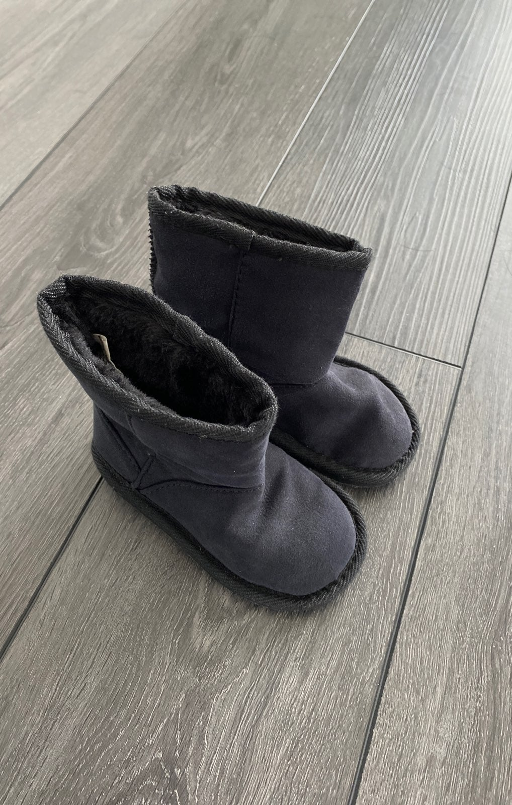 Toddler size 6 UGG style black boots