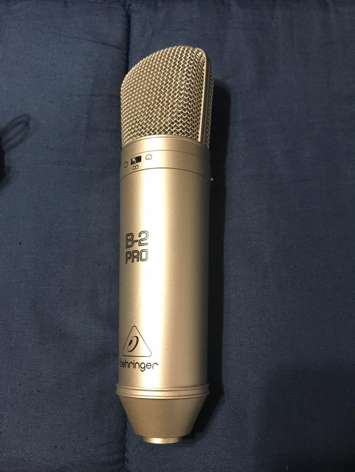Condensed Microphone w/ Shockmont Good C