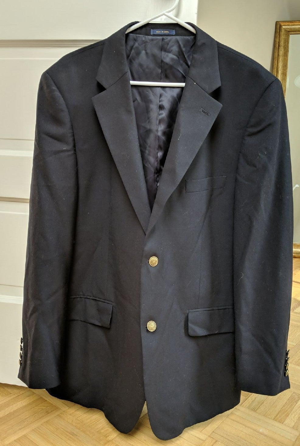 Navy Suit jacket 43R, clubroom