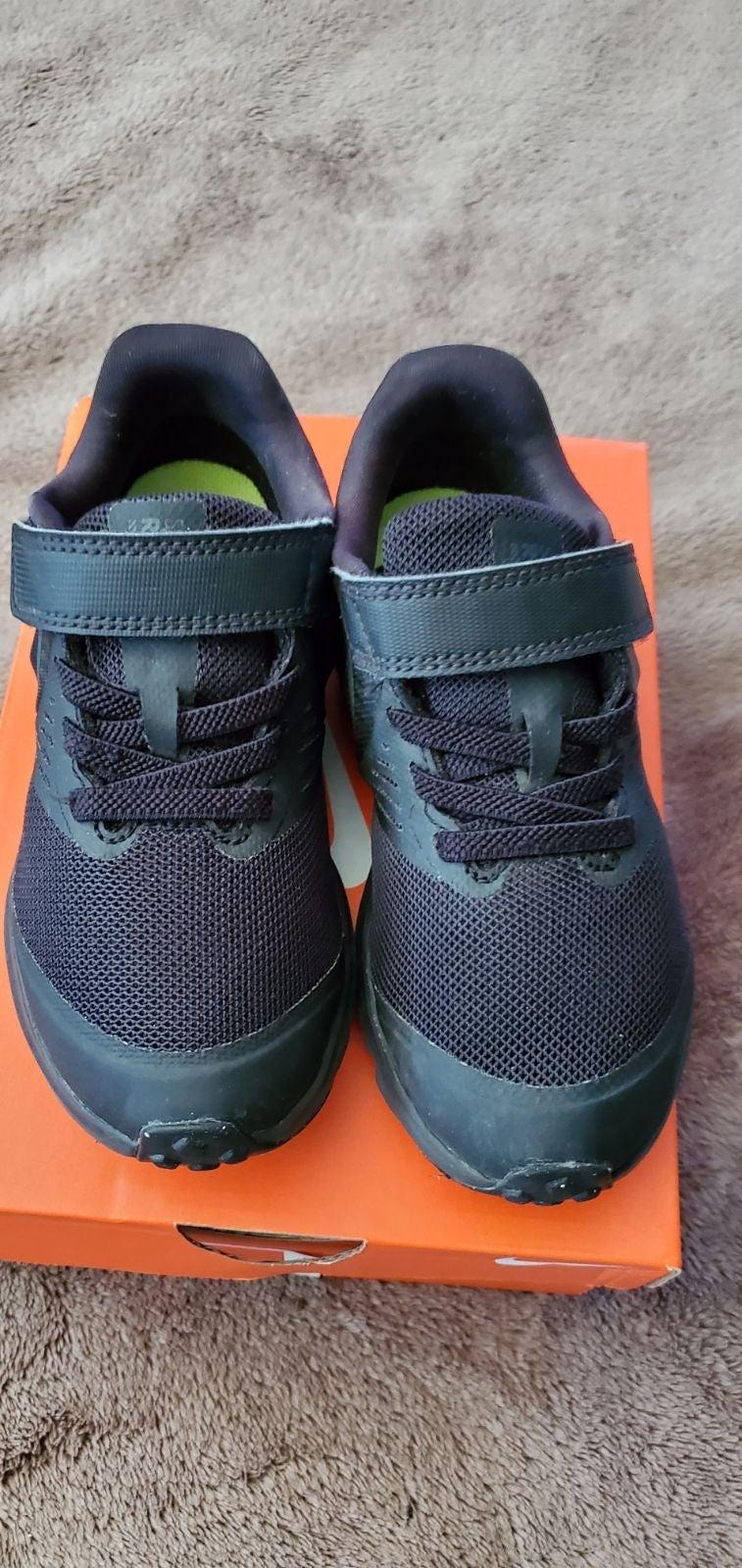 Nike star runner size 10.5c
