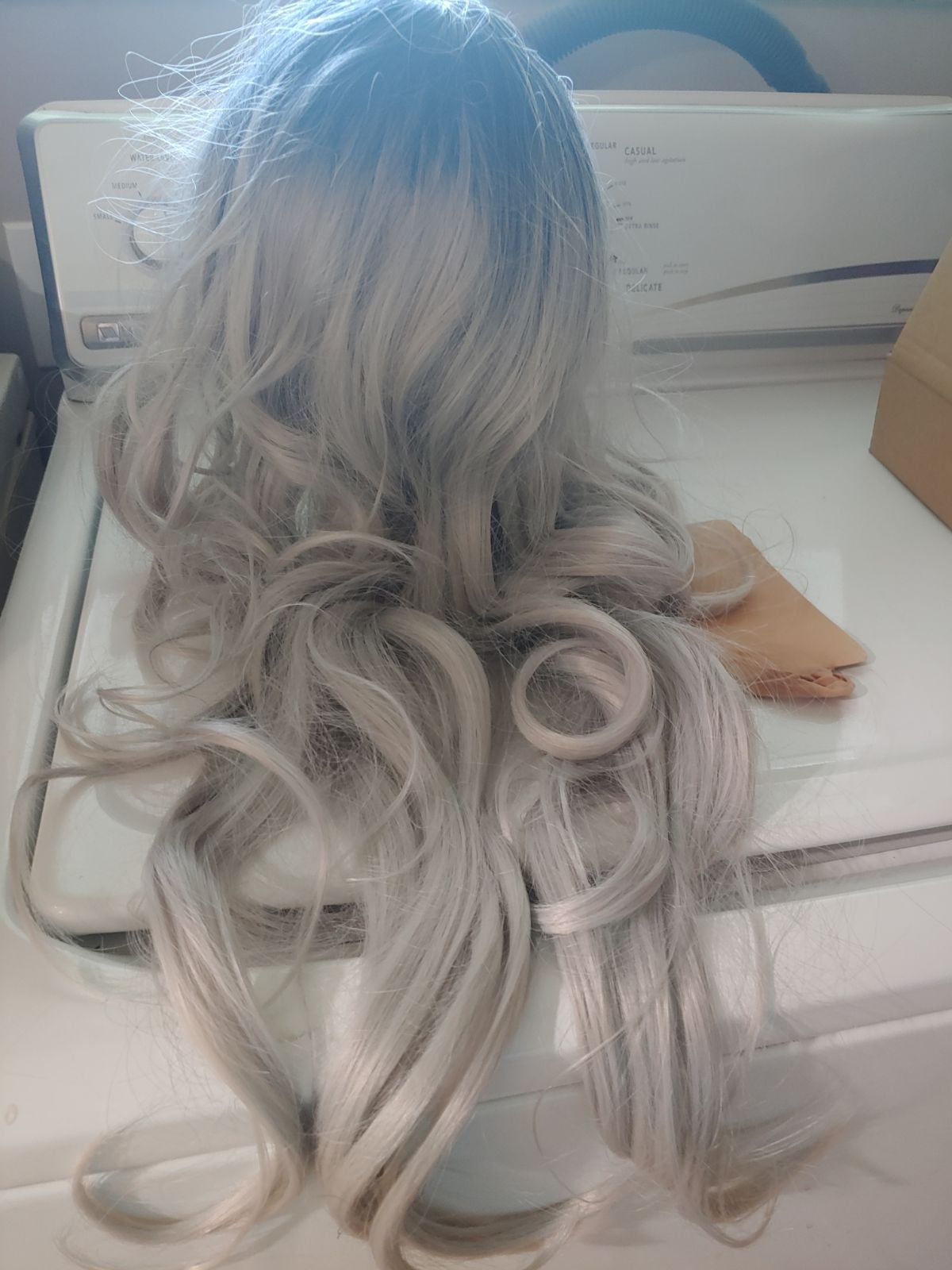 Beautiful Syn. Silver Ombre Wig LONG