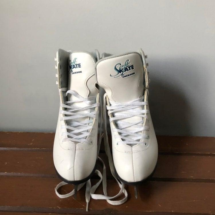 Soft Skate by Jackson Ice Figure Skates