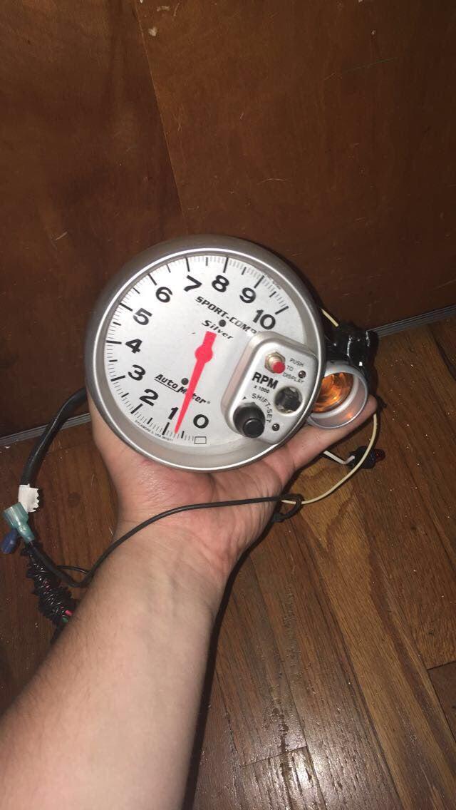 Auto Meter RPM Gauge (W/ Shift Light)