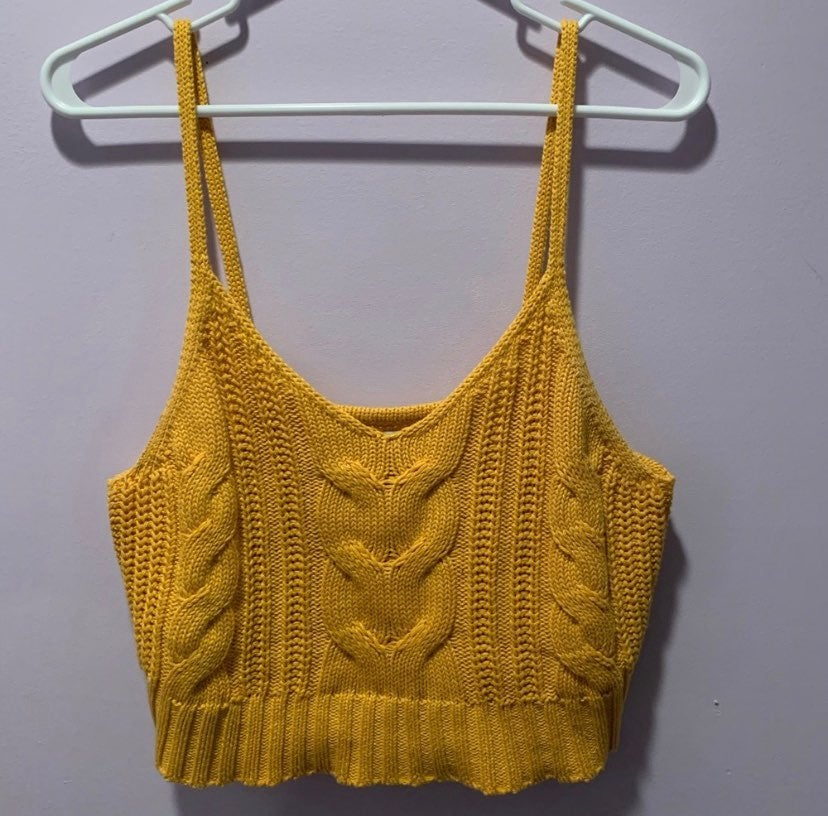 American eagle yellow sweater crop top/t