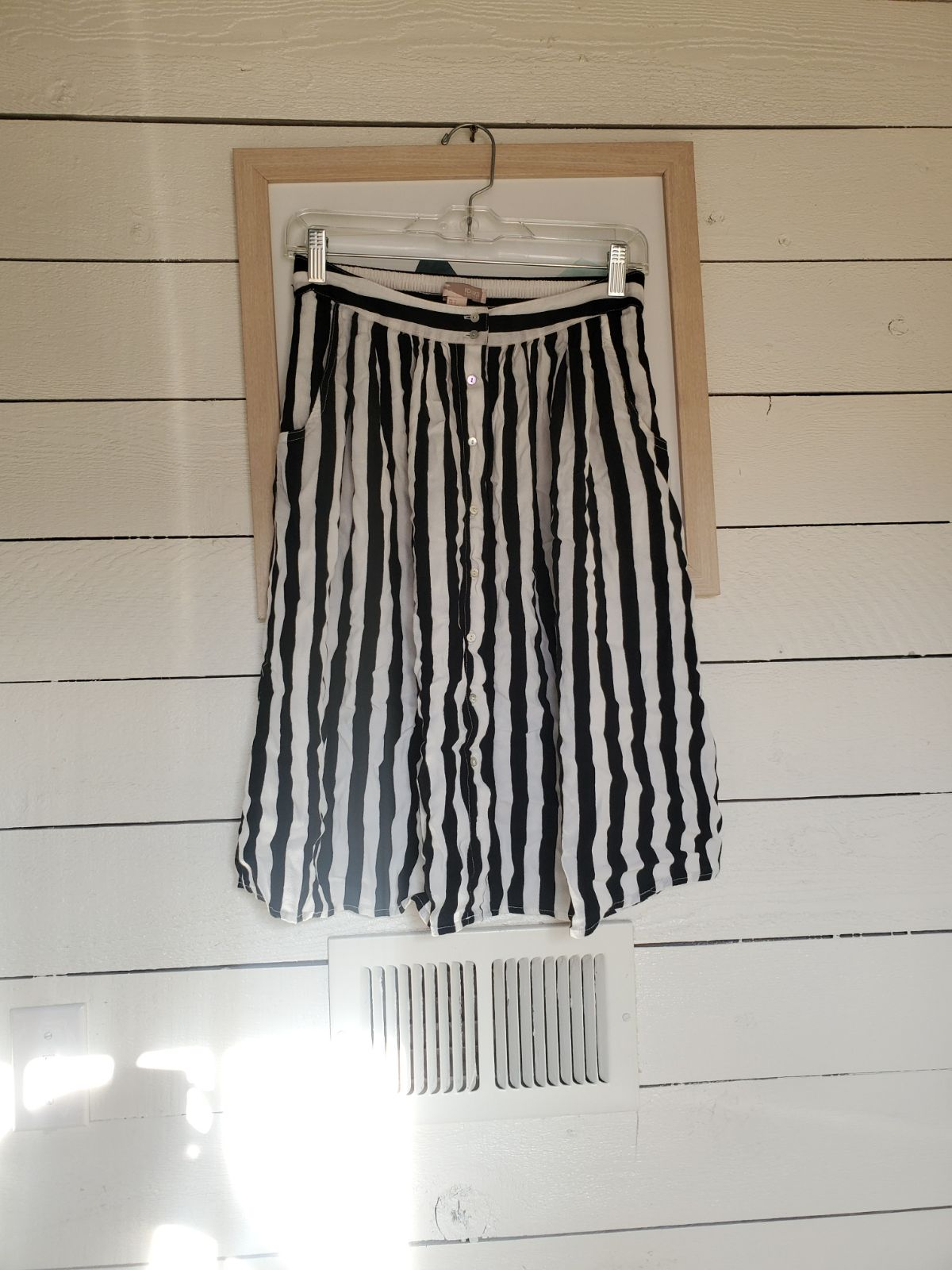 Striped crepe summer skirt with pockets
