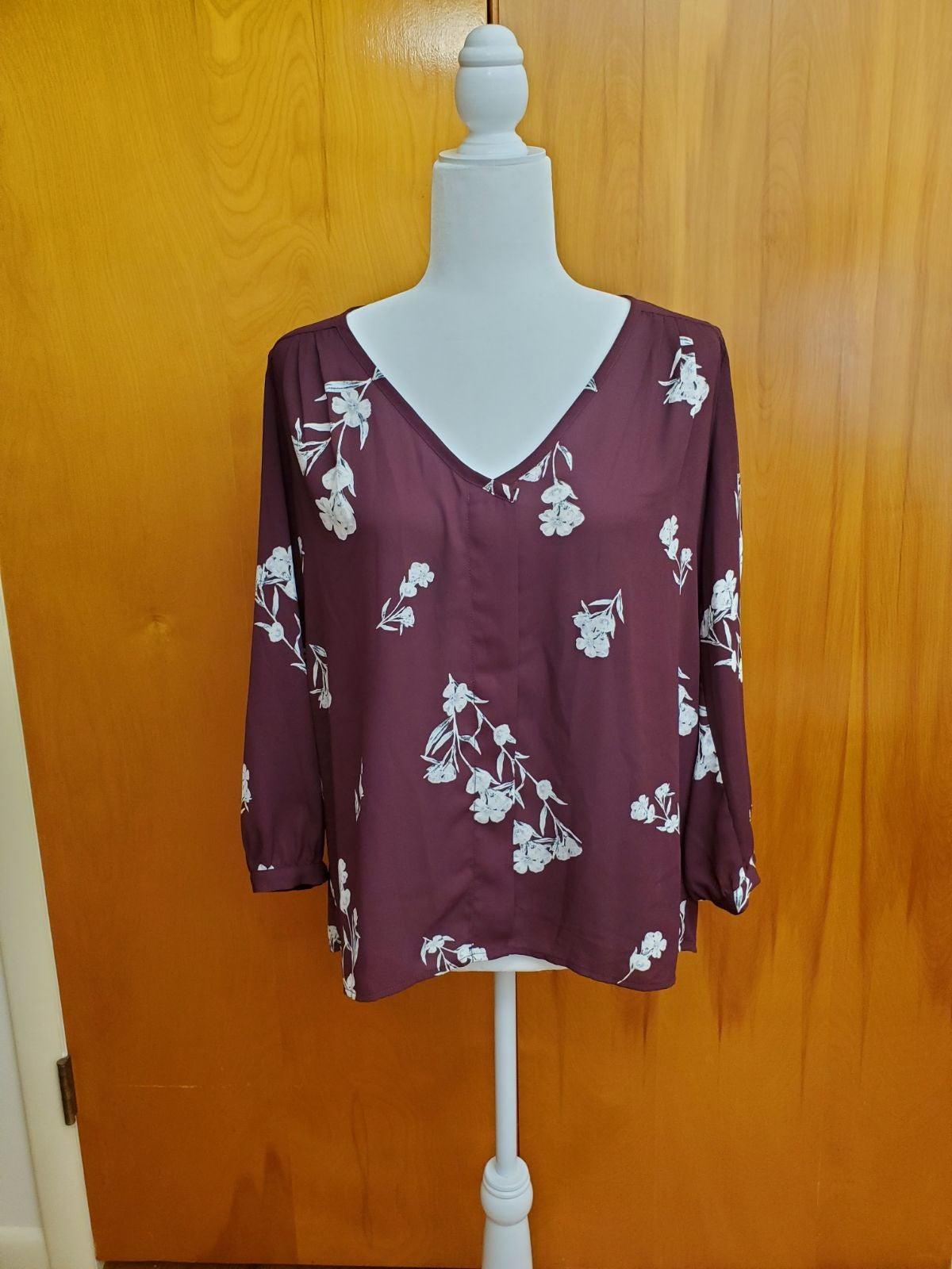 Floral burgundy 3/4 sleeve Blouse