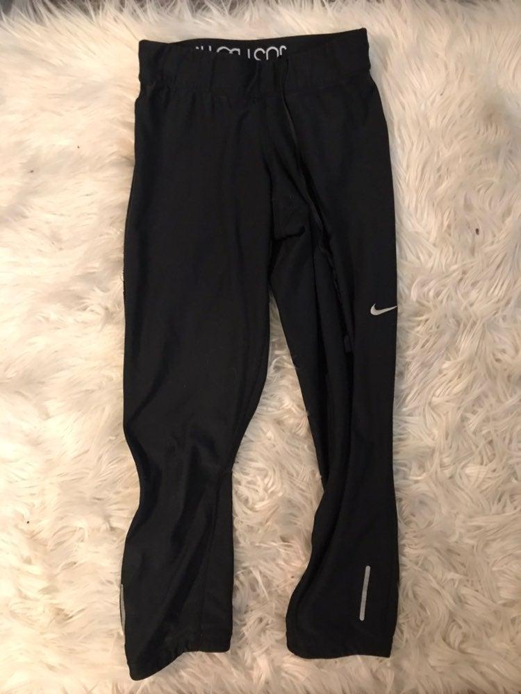 Nike Cropped Leggings XS