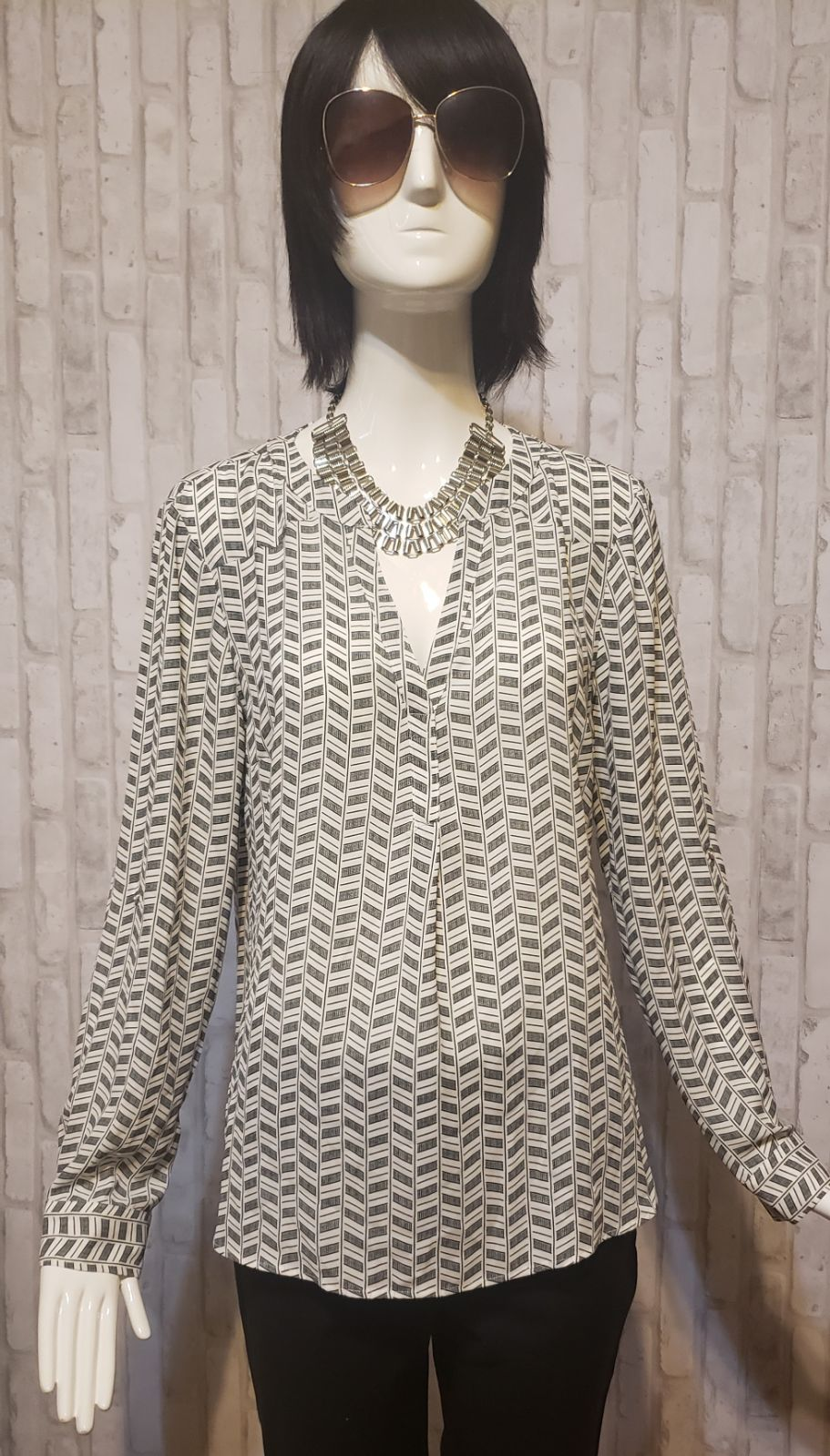 Candie's Black & White Blouse size Large