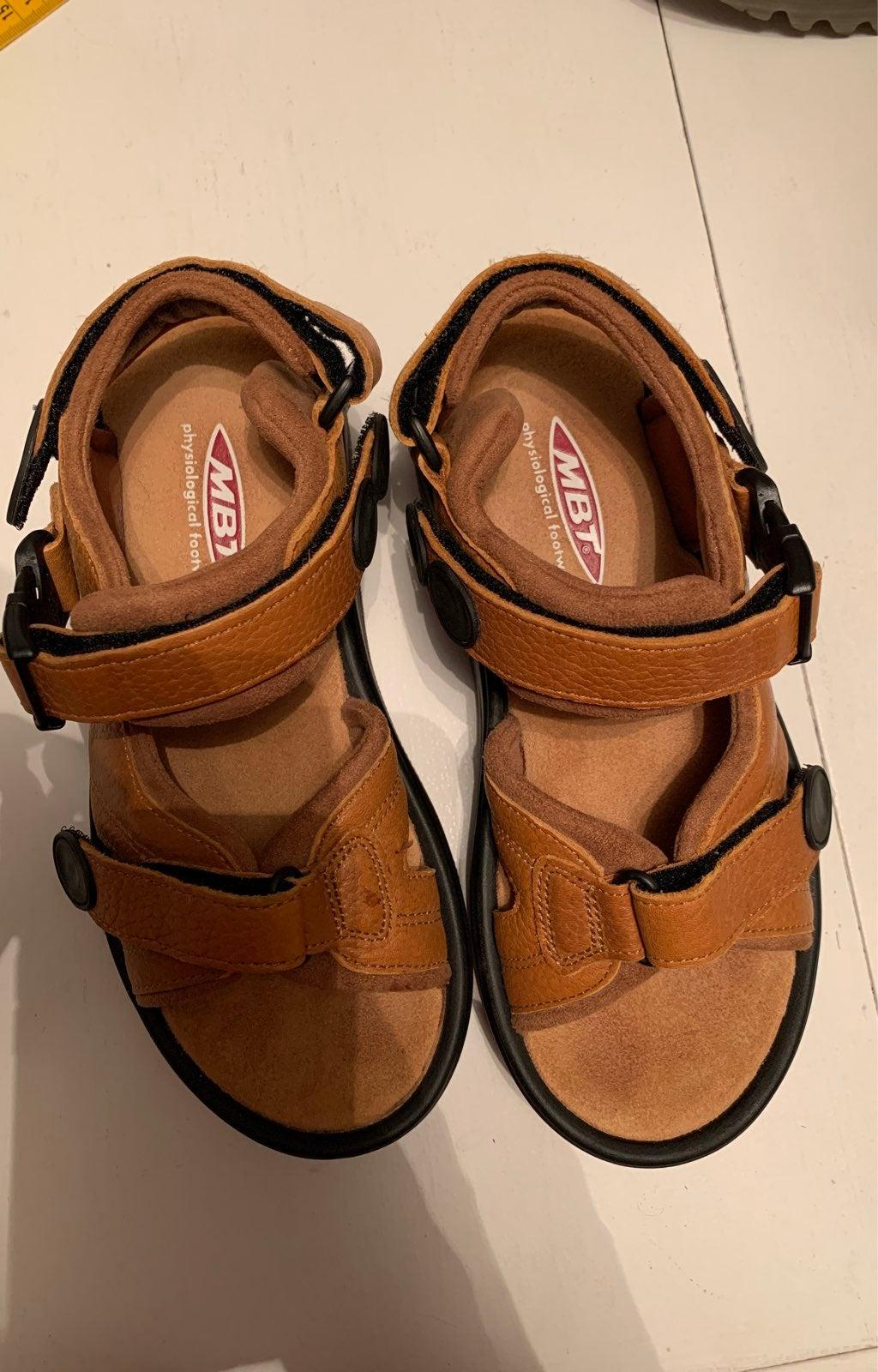 MBT Kisumu Brown C Leather Sandals 6.5