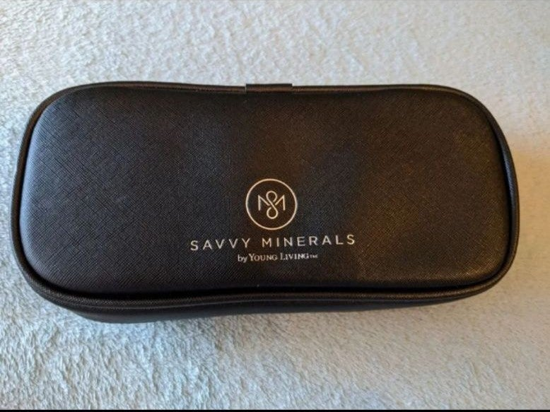 Young Living Savvy Minerals Brush Set