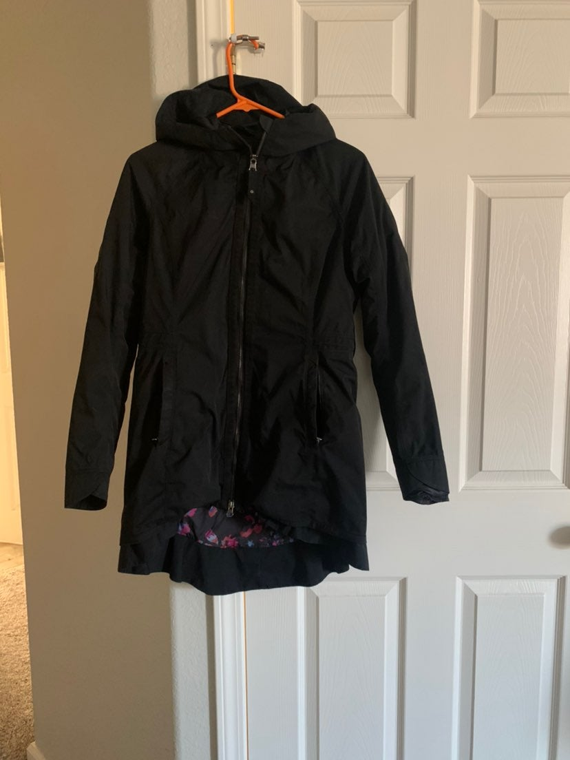 Lululemon four the helluvit jacket size