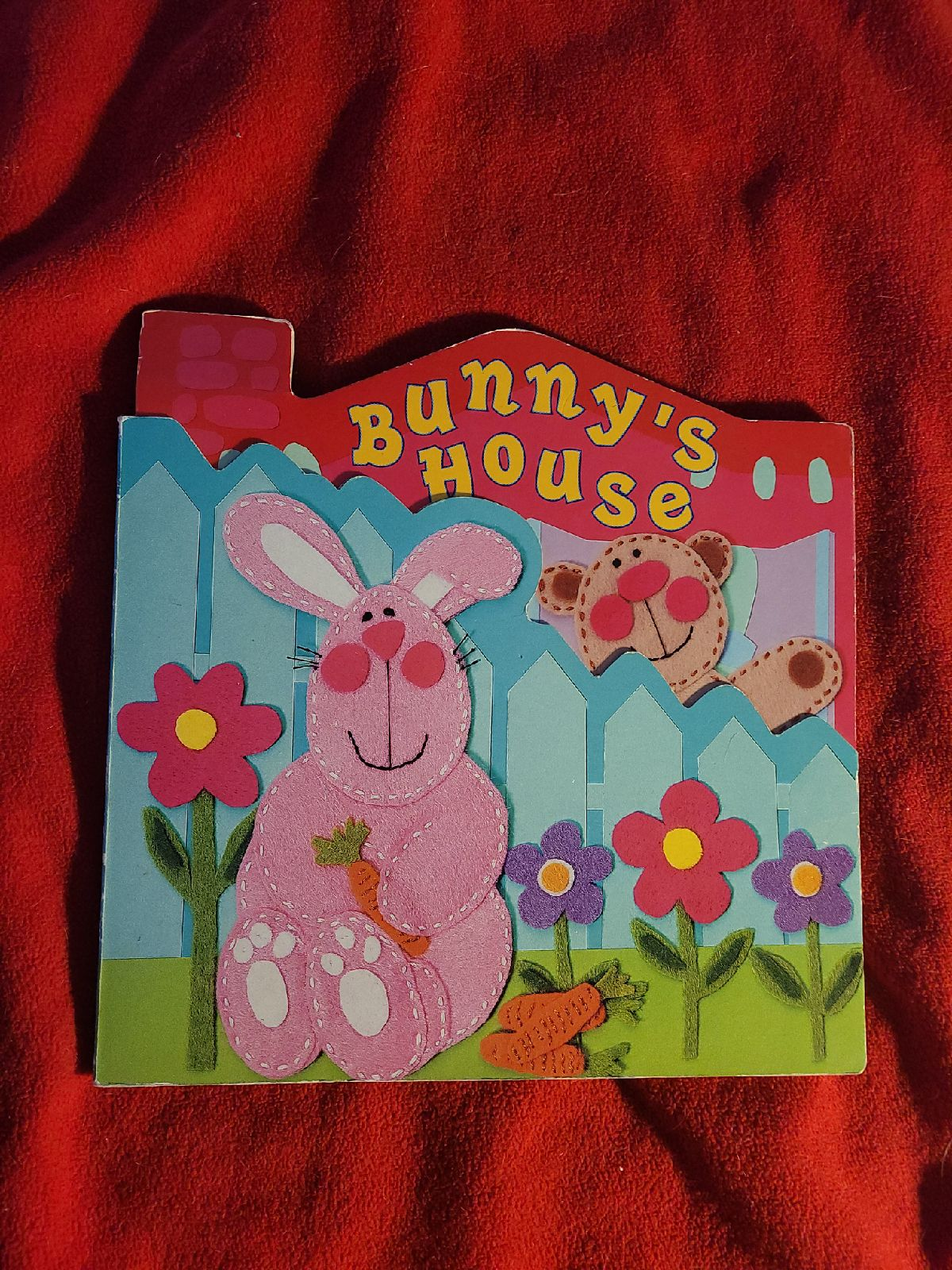 Bunny's House: Giant Board Book
