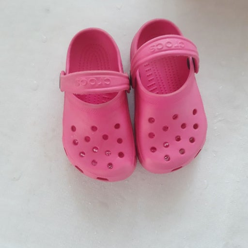 Crocs 6/7 washed and cleaned pink