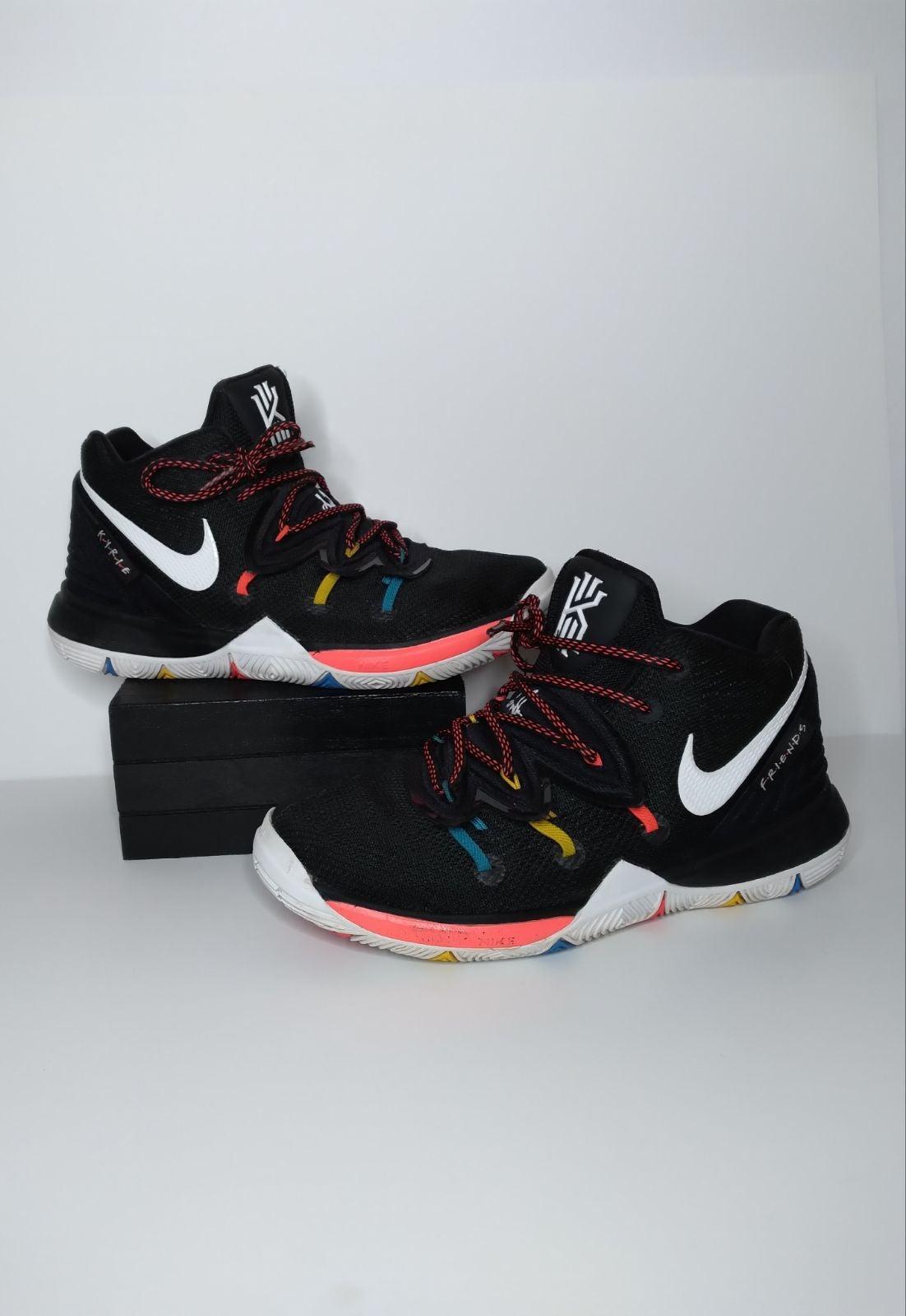 Nike J's Kyrie 5 Friends Multicolor Kick