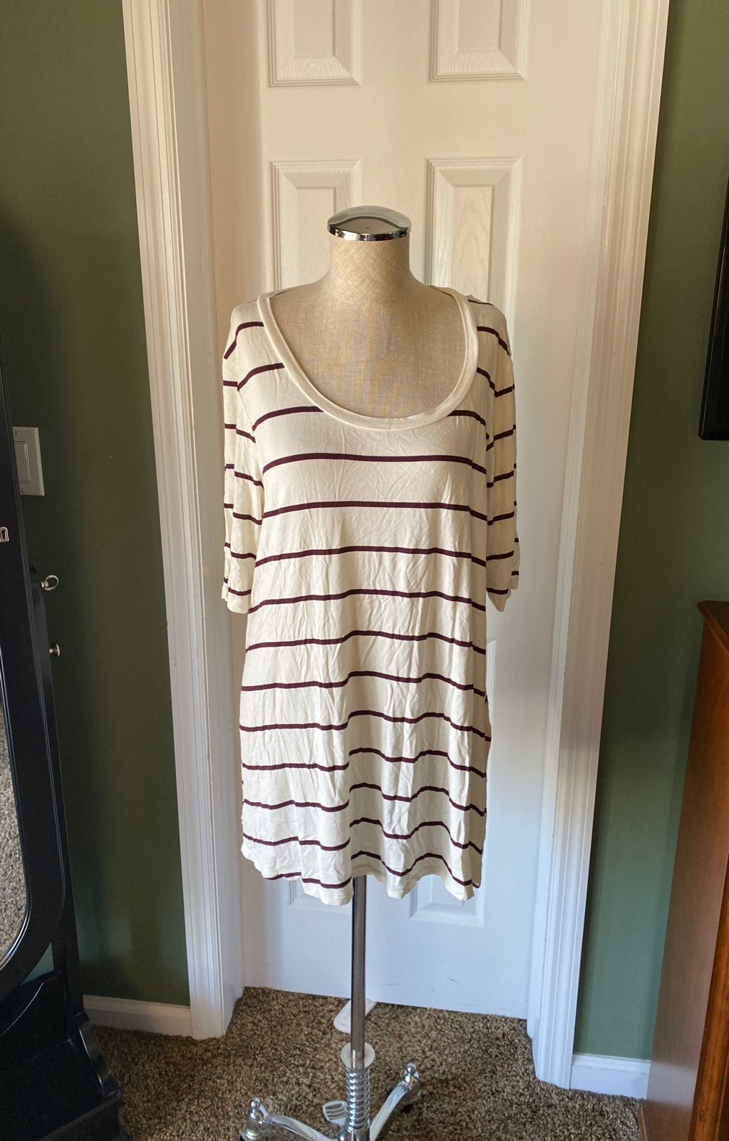 Soft and sexy tunic tee from AE size xl