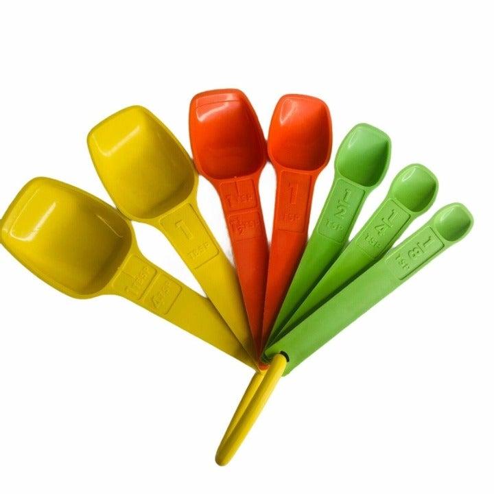 Vintage Tupperware Measuring Spoon Set