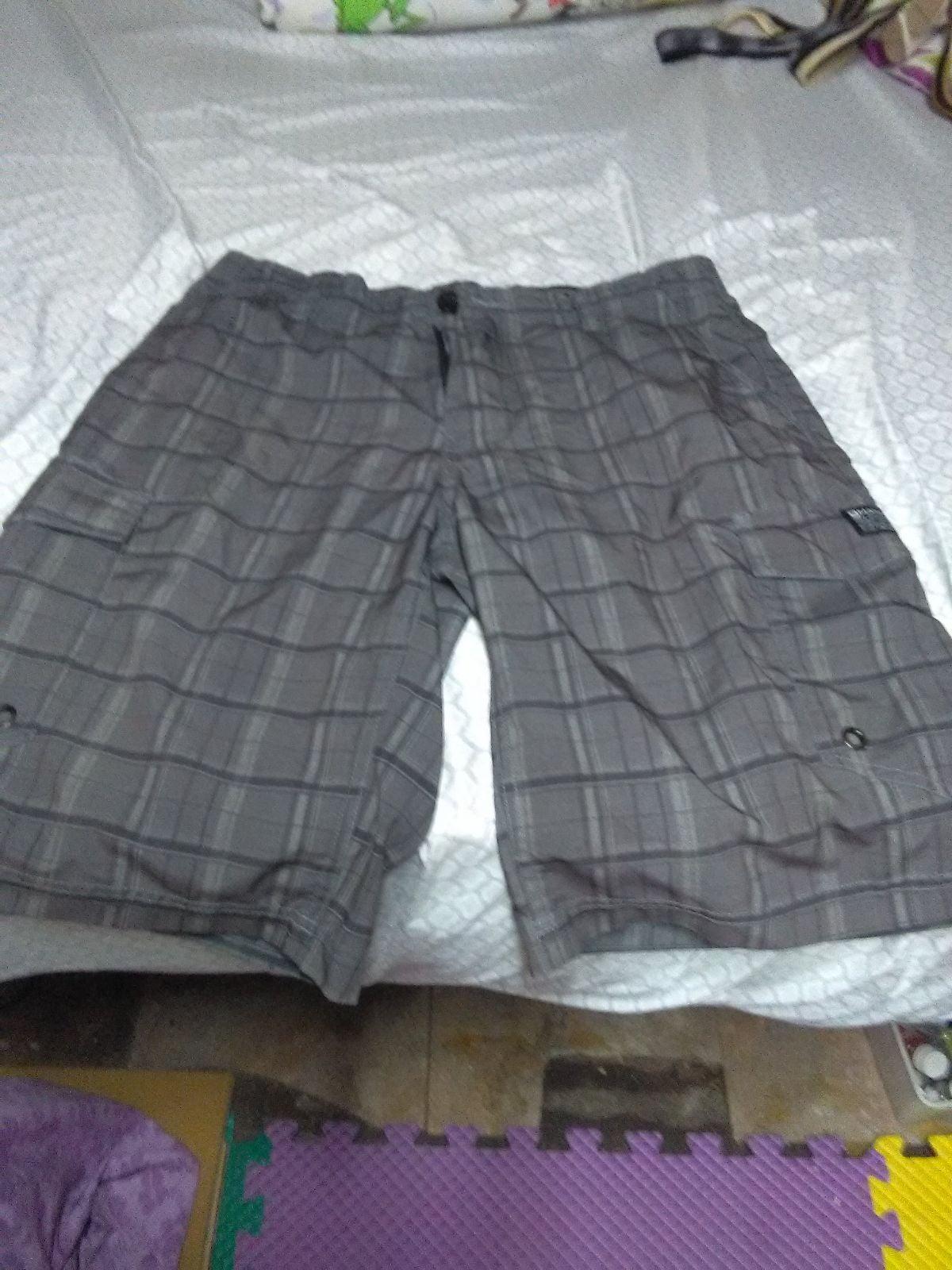 Shorts men's size 32