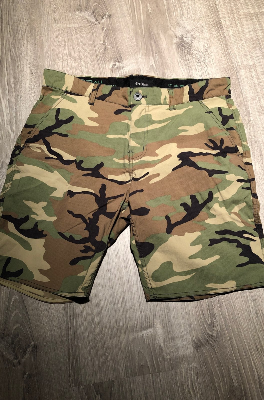 Brixton mens shorts size 33 hybrid short