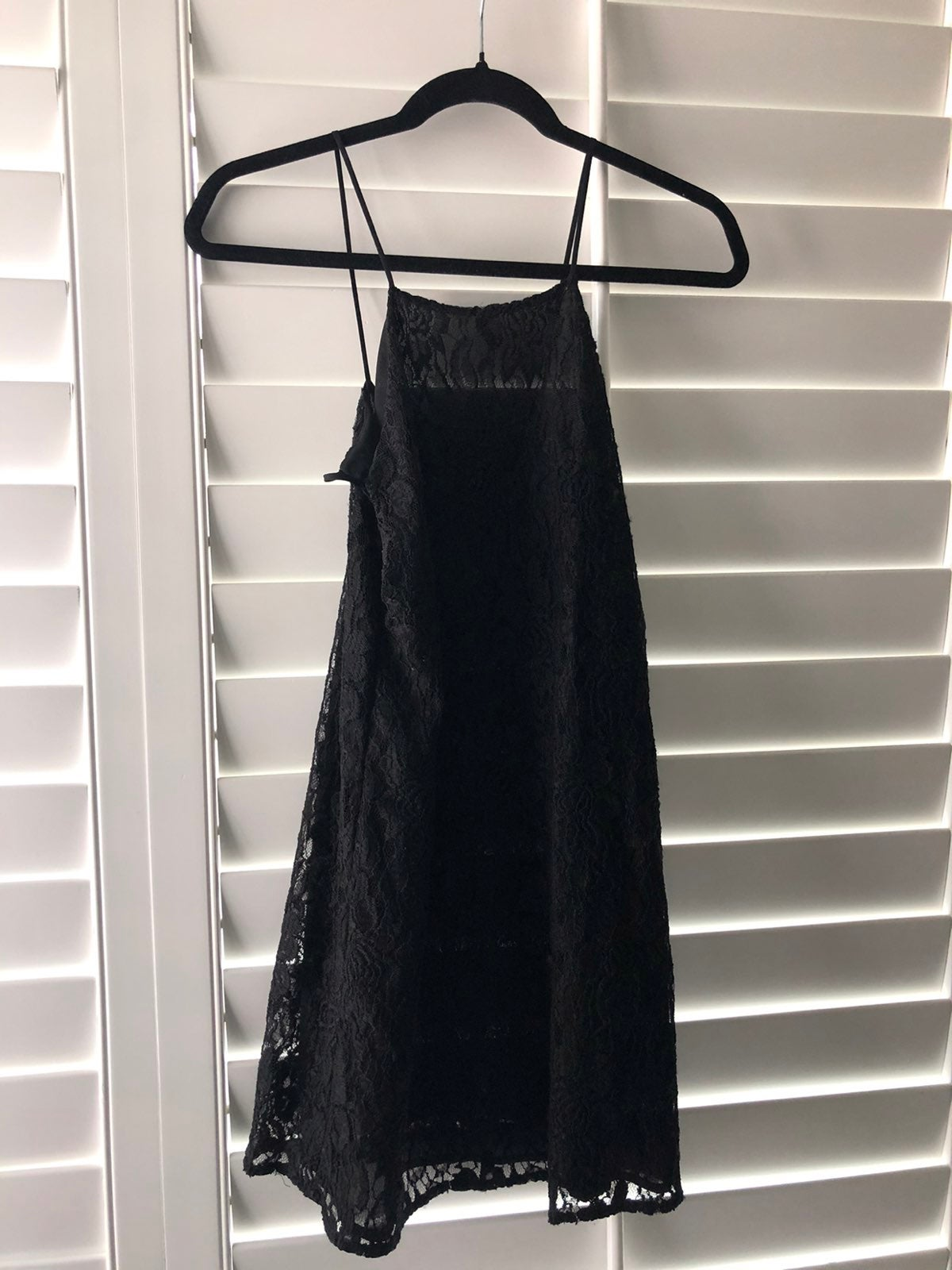 Lauras boutique black dress