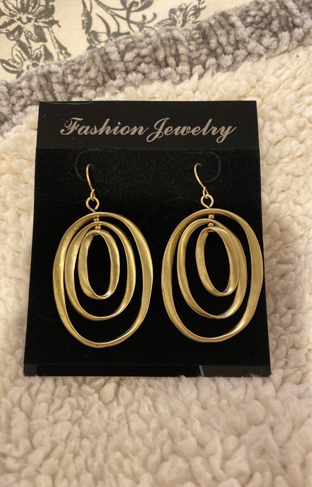Gold tone spiral orbital Earrings new