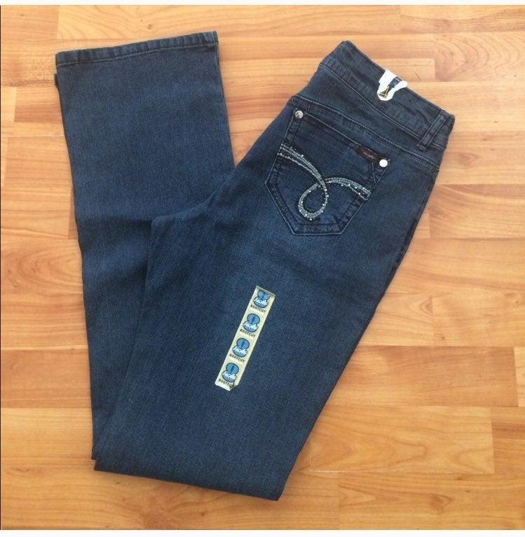 Nwot Angels Bootcut Leg Stretch Jeans