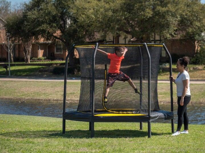 JumpKing 7.5ft Trampoline w/ Enclosure
