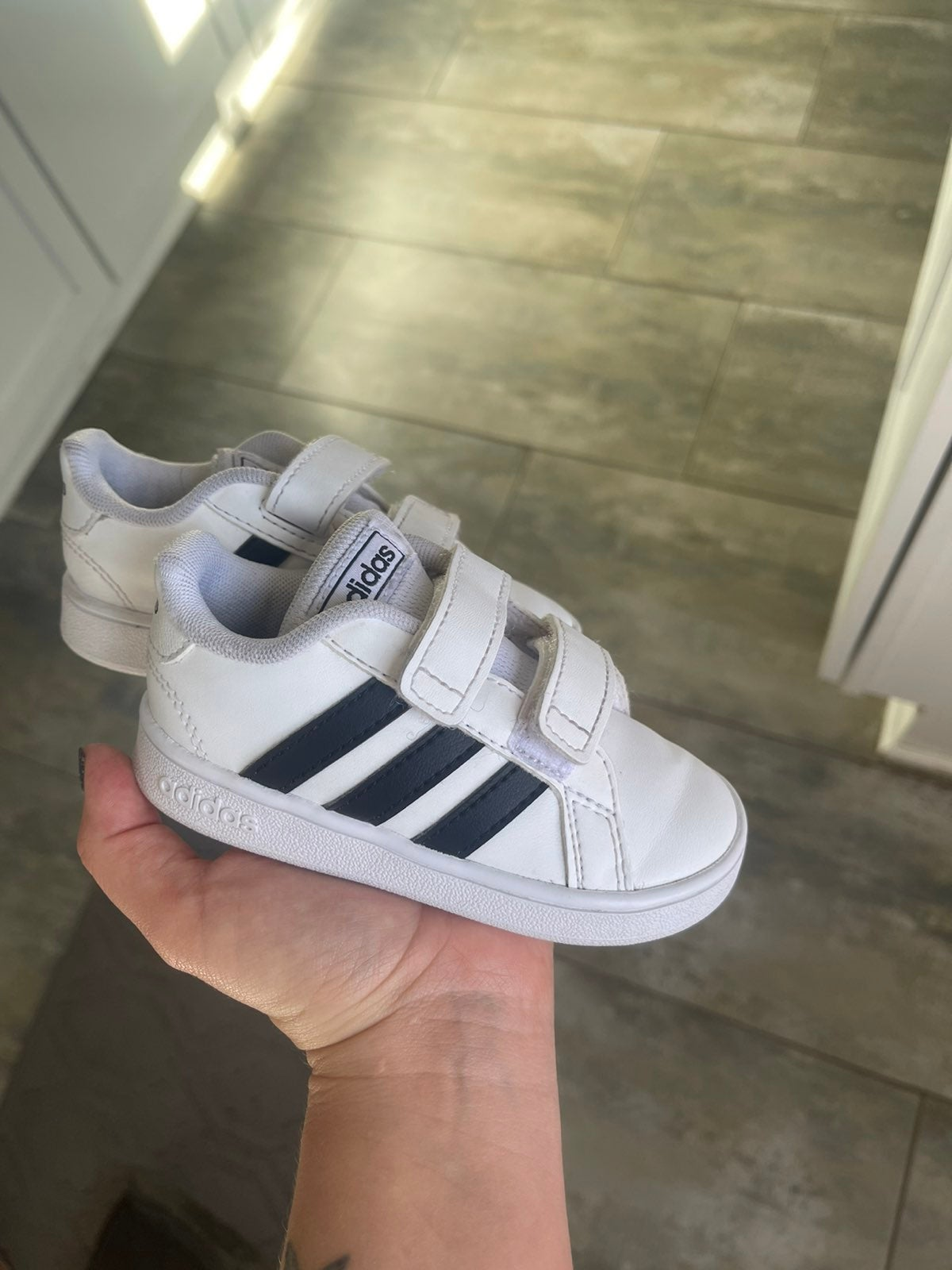 Toddler grand court adidas size  5.5