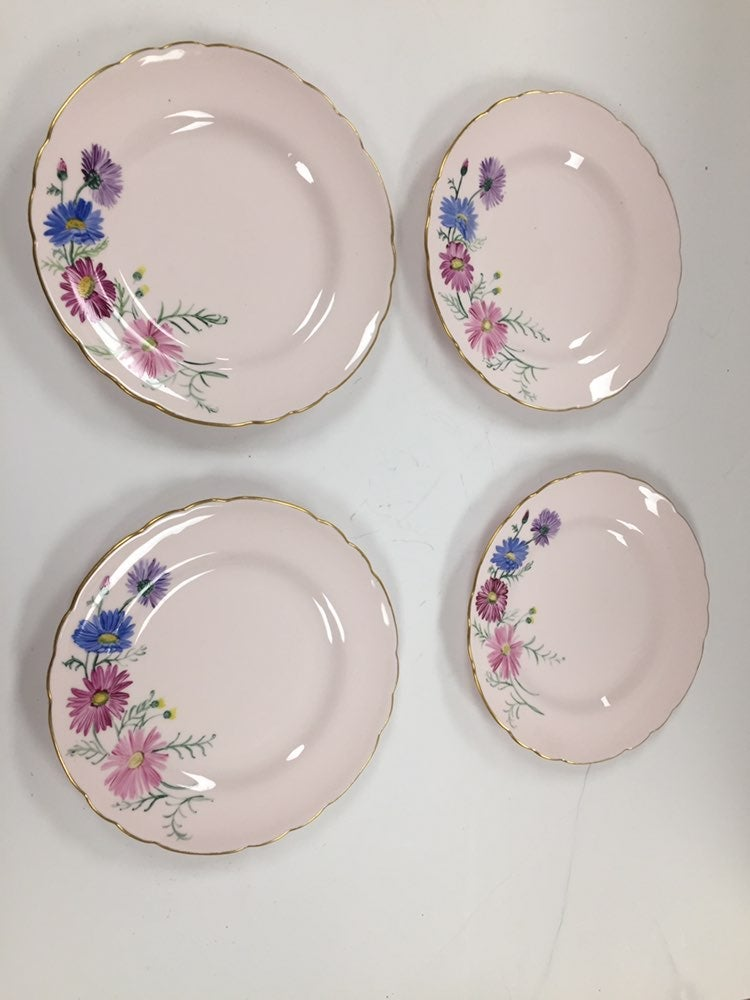 Tuscan Fine Bone China England 4 Plates