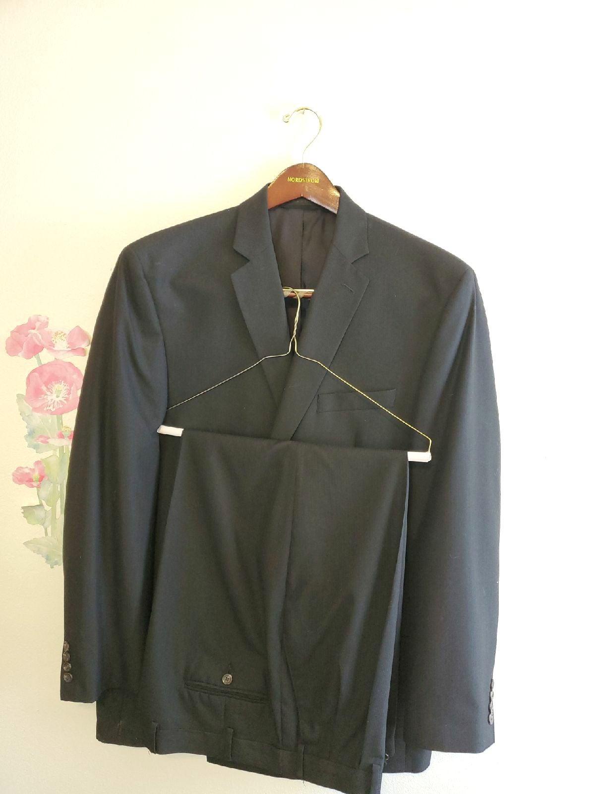 Izod Men's full black suit/44L.