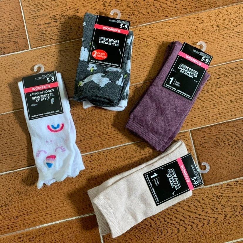Woman's Socks Lot of 5 Size 5-9