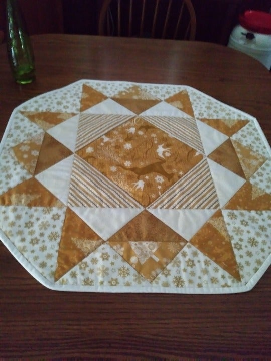 Chirstmas Gold Table Topper