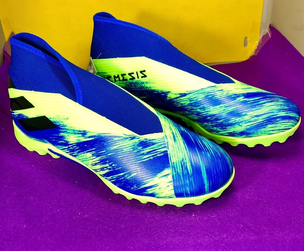 Adidas Nemeziz 19.3 Laceless TF Turf New