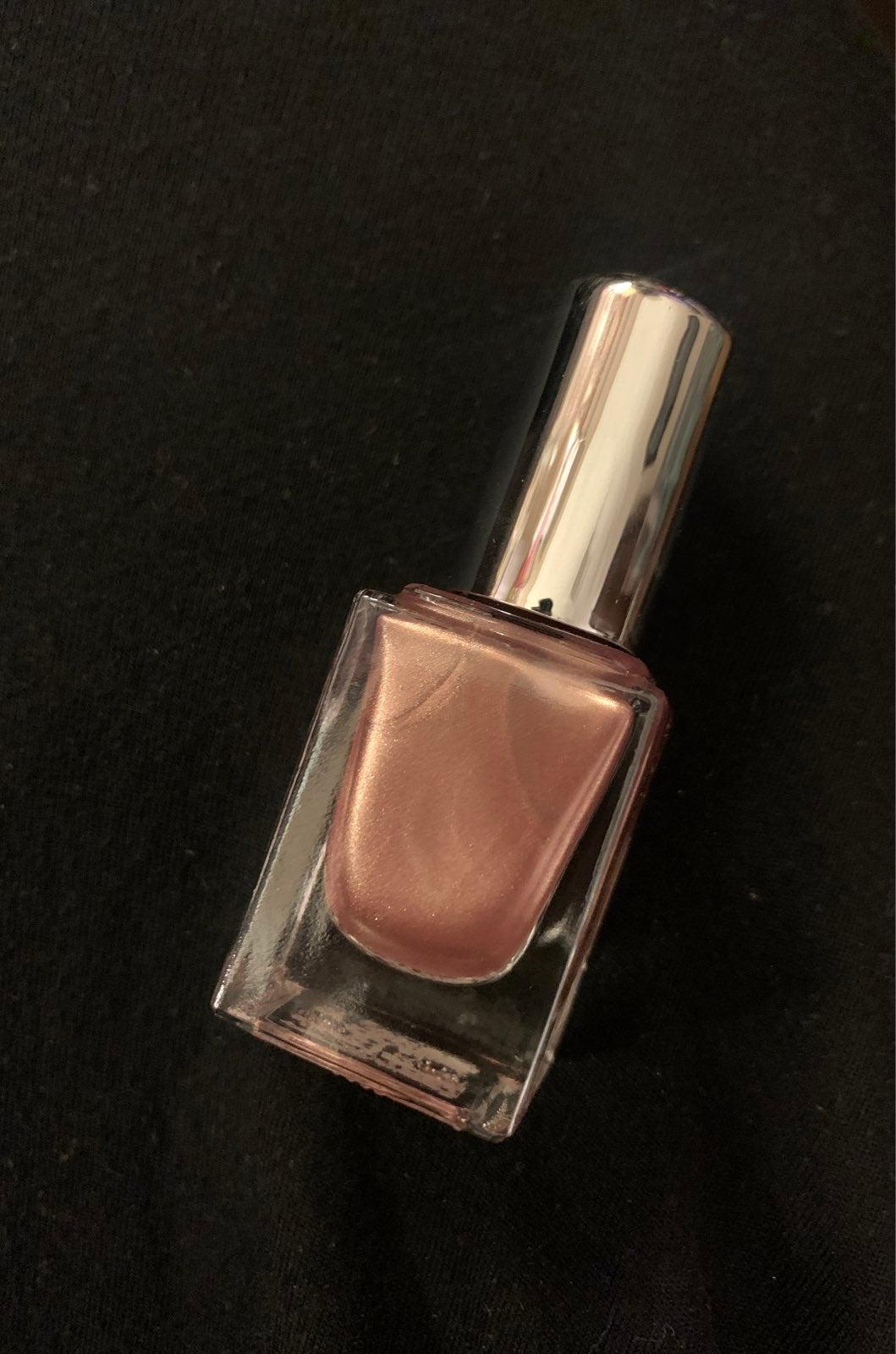 Belle en Argent nail polish