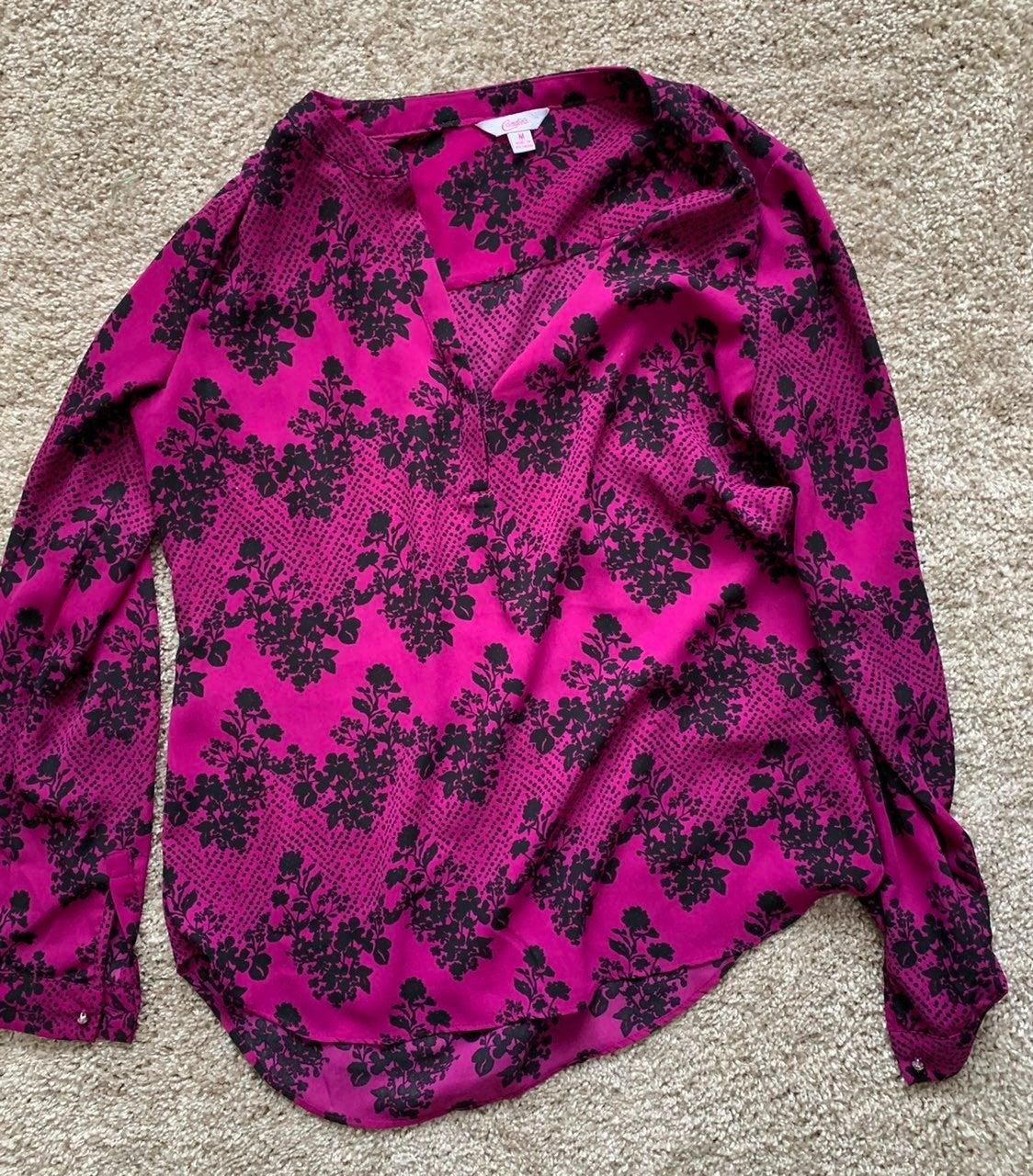 Floral vneck three quarter blouse