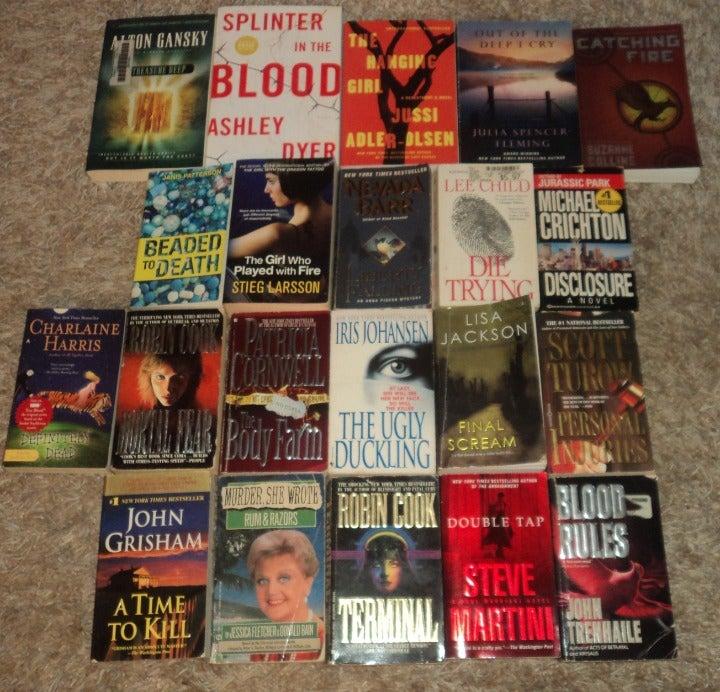 LOT OF 21 - THRILLER / SUSPENSE BOOKS